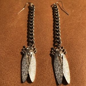 Cicada bug curb chain duster earrings